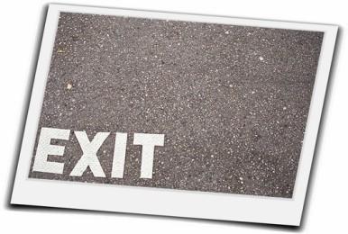 会社を辞めるタイミングを逃さない7つの決断できない対処法